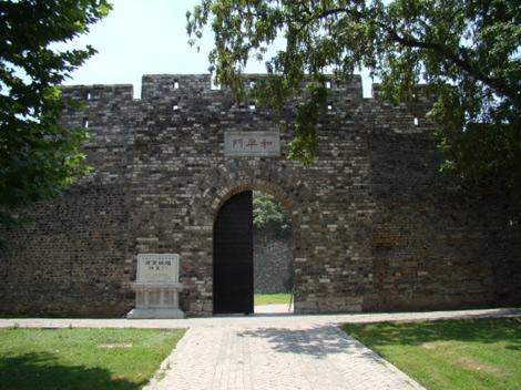 military_defense_in_ancient_cities_walls_and_gatesbb389b46bb4893fb8f38